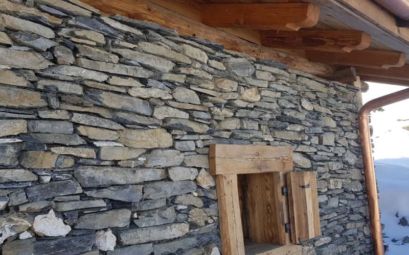 37CHALET RENOVATION PROVIN CORRE
