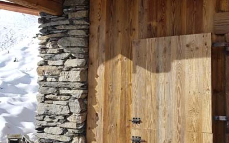 53CHALET RENOVATION PROVIN CORRE